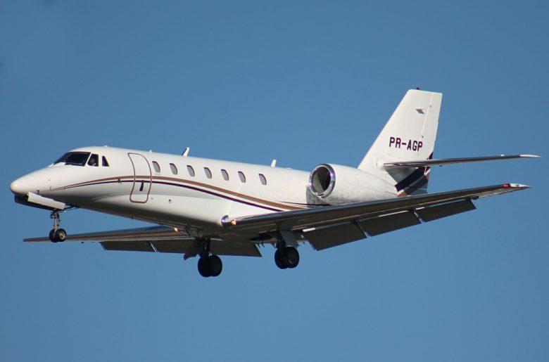 super midsize jet